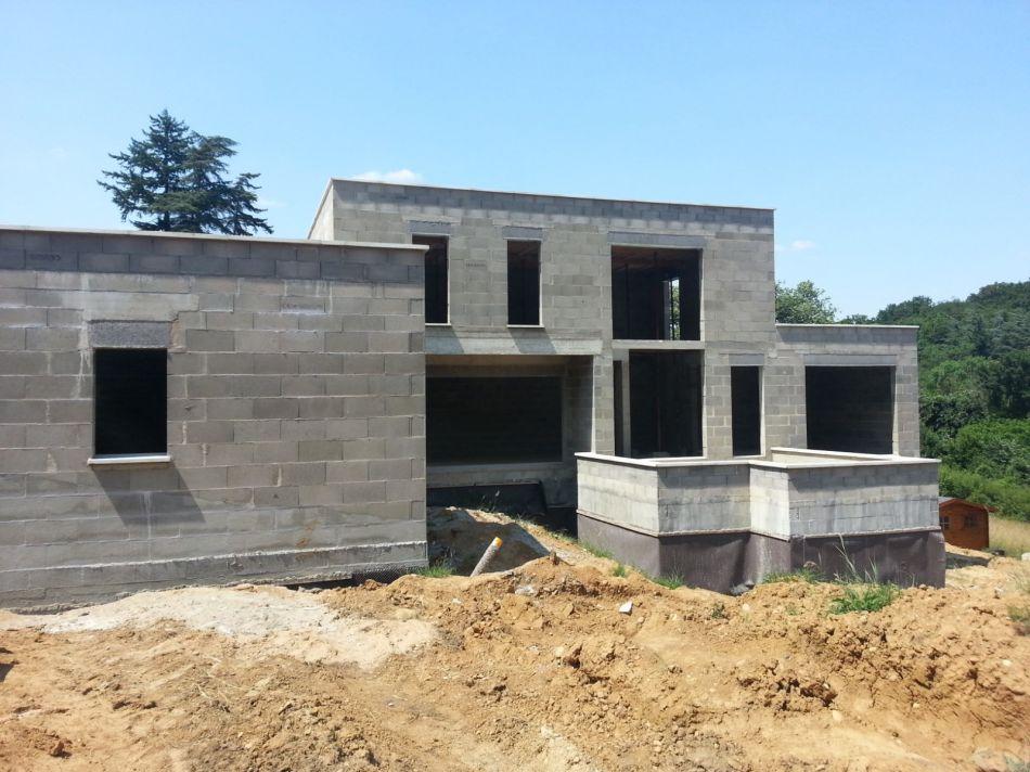 Cr ation d 39 une villa individuelle en rh ne alpes for Gros oeuvre d une maison