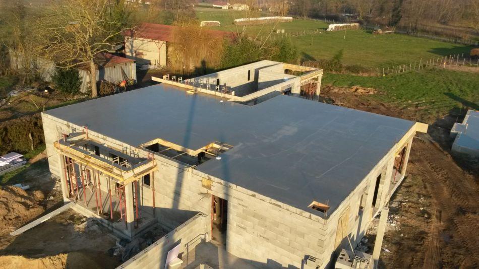 Construction d 39 une villa individuelle sur la commune de for Piscine pont de vaux