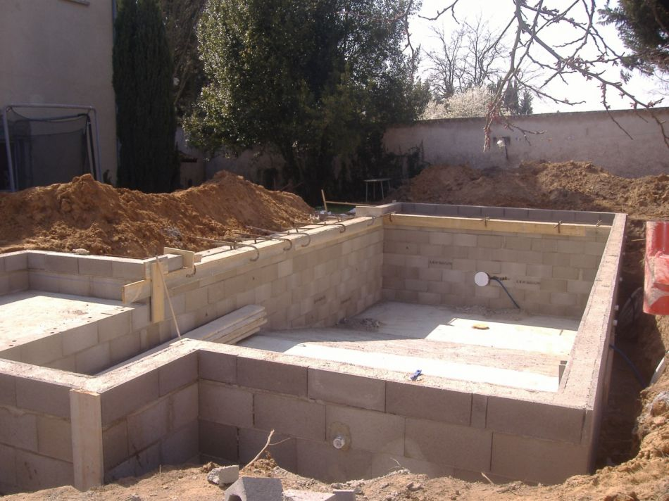 Construction de piscines dans les monts d 39 or for Construction piscine 41